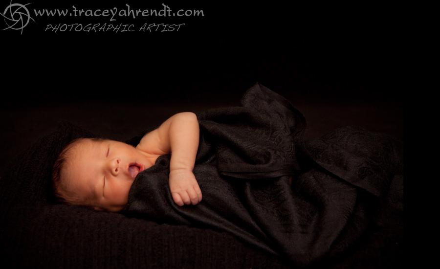 www.traceyahrendt.com_newborn5