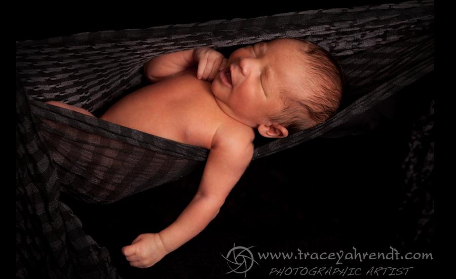 www.traceyahrendt.com_newborn6