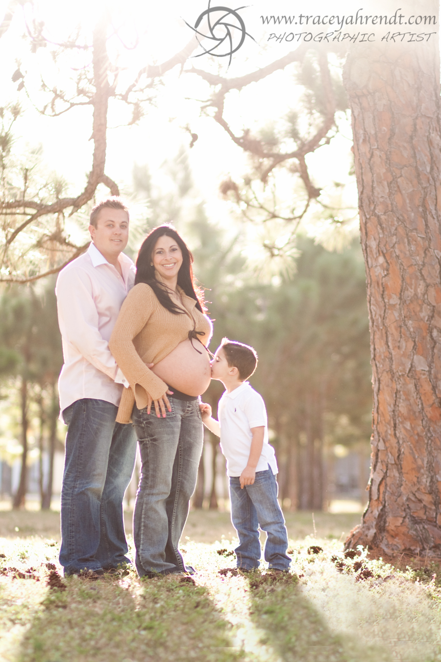 Family Love - Maternity Portraits